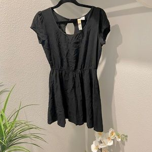 🗣HAS POCKETS! Black Skater Dress